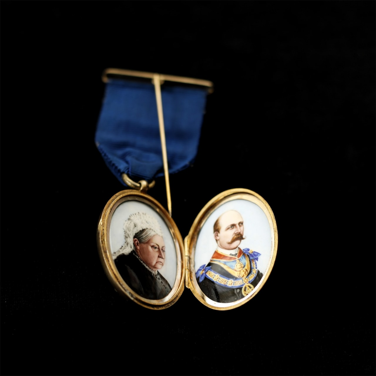 Bejewelled: Badges, Brotherhood and Identity | Museum of