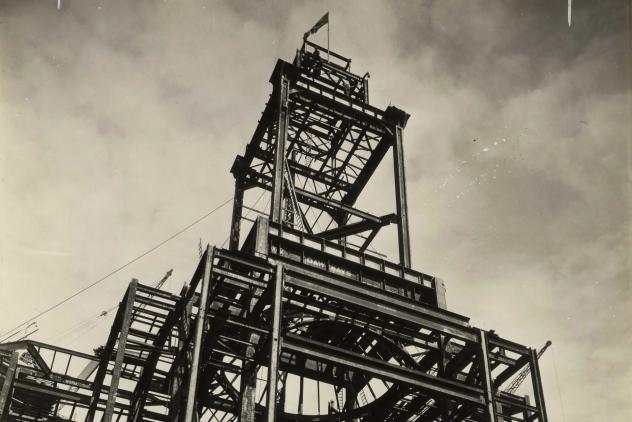 Masonic Peace Memorial Building tower is erected (1931) ©Museum of Freemasonry, London