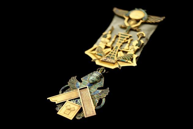 Authors' Lodge Past Masters Jewel (c1910) ©Museum of Freemasonry