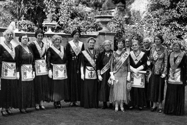 Lady masons, Western Morning News, Plymouth ©Museum of Freemasonry