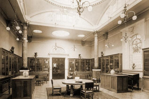 Library at Freemasons' Hall (1900) ©Museum of Freemasonry